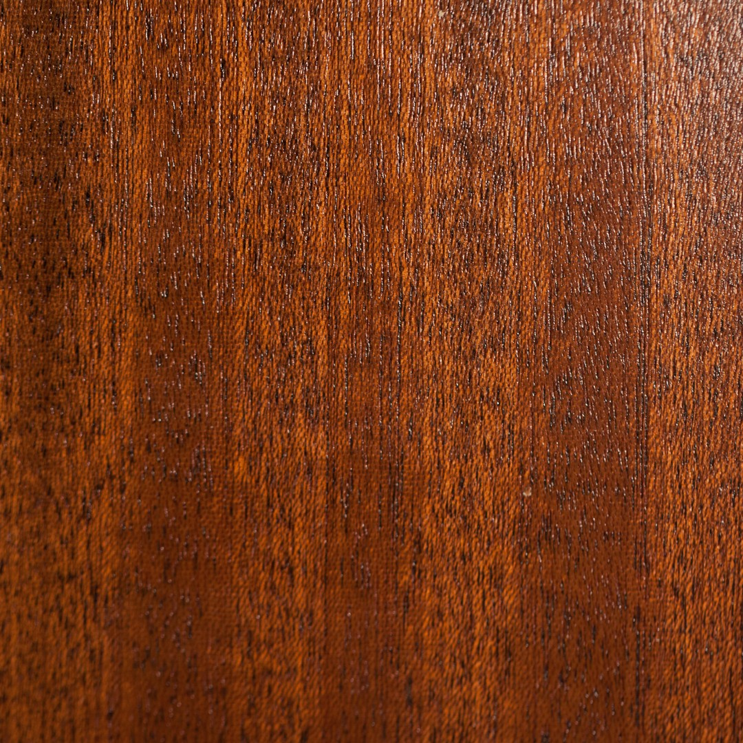 Sapele (Medium Brown)